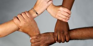 Revelan mensajes racistas de policía de San Francisco