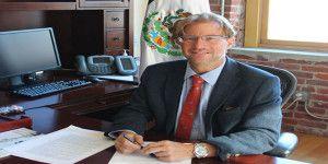 San Francisco Chronicle reconoce a cónsul Andrés Roemer
