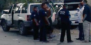 Camioneta de Felipe Calderón se pasó el alto: víctima de choque