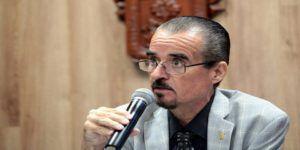 Acusan por plagio a académico mexicano