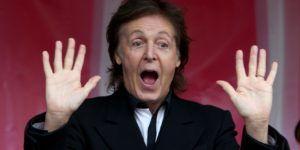 Paul McCartney muestra su look de pirata