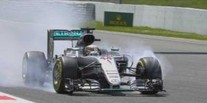 Hamilton se queda con la pole en Barcelona