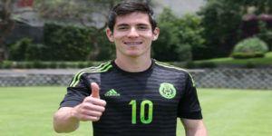 Chivas oficializa la contratación de Marco Bueno