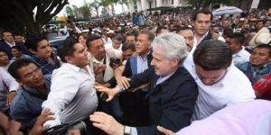 Agreden a dirigentes panistas en Veracruz. Yunes pide castigo para Duarte