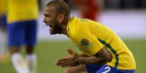Perú elimina a Brasil con polémico gol