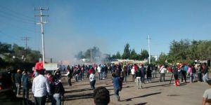 Enfrentamiento con la CNTE deja seis muertos, 53 civiles y 56 policías heridos