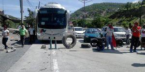 CNTE mantiene bloqueos en Oaxaca, Michoacán y Guerrero