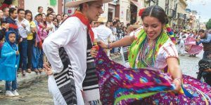 CNTE amenaza con prohibir clausura de Guelaguetza