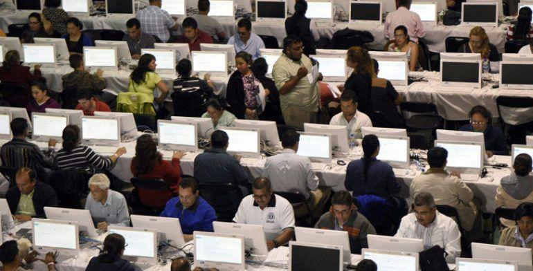 Darán de baja a 951 maestros de Guerrero