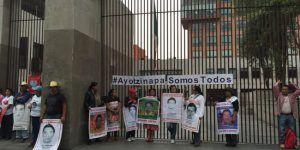 Anuncian padres de los 43 normalistas reunión con SRE el próximo miércoles