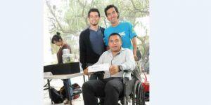 Desarrollan en la UNAM silla de ruedas que detecta obstáculos