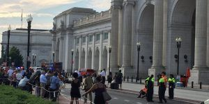 Evacúan estación de tren en Washington por amenaza de bomba