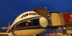 Tormenta de granizo daña a un avión mientras aterriza en China