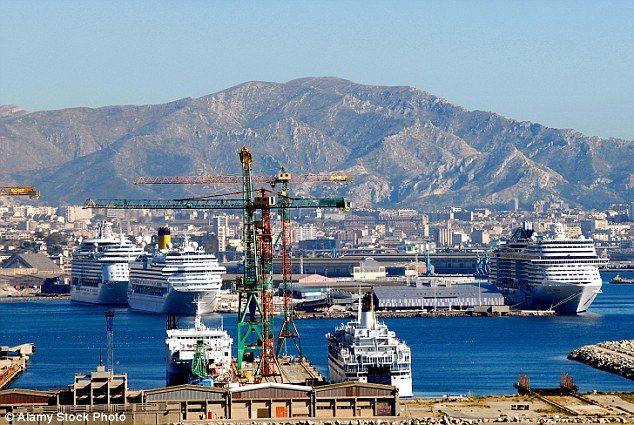 El puerto de Joilette, en Marsella, Francia