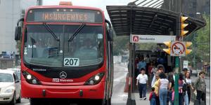 Cerrarán estaciones del Metrobús por desfile de Día de Muertos