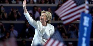 Clinton sigue subiendo y Trump va en picada, según nueva encuesta