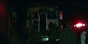 Choca autobús contra tráiler en Jalisco y deja 12 heridos
