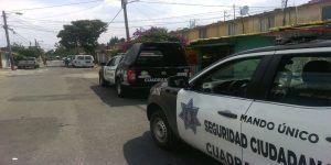 Video: policías golpean a automovilista al ritmo de reggaeton
