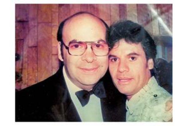Eduardo Magallanes y Juan Gabriel. Foto de Internet