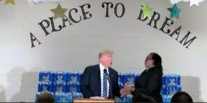Video: pastor interrumpe a Donald Trump mientras atacaba a Hillary Clinton
