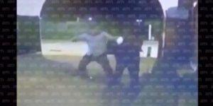 Video: golpiza a portero por no abrir rápido