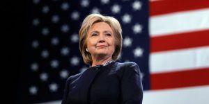 Clinton aventaja a Trump en encuesta nacional