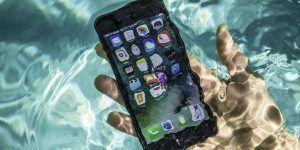 ¿Qué hace a un teléfono ser resistente al agua?