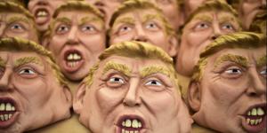 Hombre con máscara de Trump apuñala a una persona en Florida