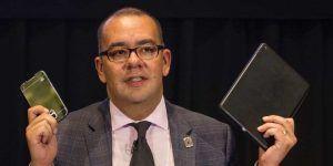 Nicolás Alvarado renuncia a TV UNAM