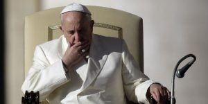 Papa Francisco advierte sobre peligros de noticias falsas