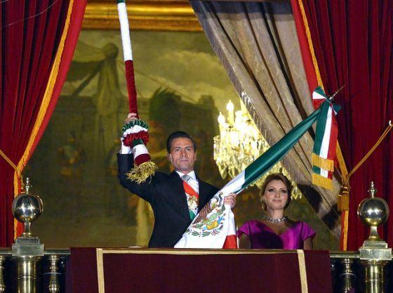 Para poner el ejemplo sobre el recorte presupuestal, el presidente canceló la cena de gala y el vino de cortesía. Foto de Internet