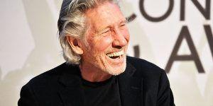 Roger Waters improvisa firma de autógrafos afuera de su hotel