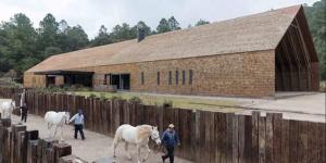Alcaldes muestran supuesto rancho de Javier Duarte