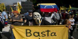 Colombia retira a su embajador en Venezuela