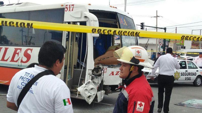 Titular de Seguridad de Allende grave tras accidente