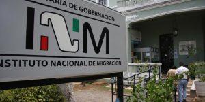Mueren cuatro migrantes en autobús abandonado en Veracruz
