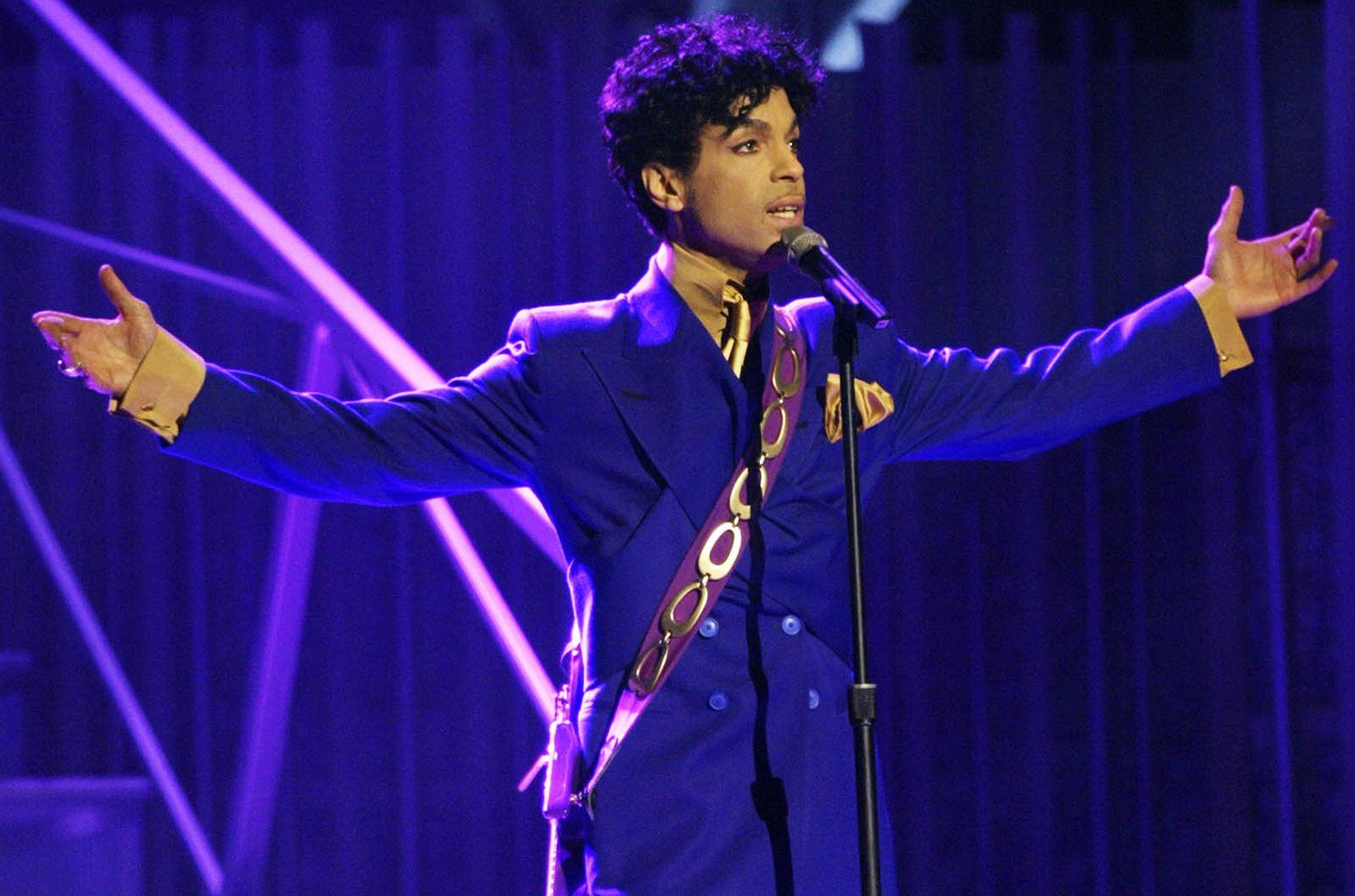 Seis hermanos herederán a Prince