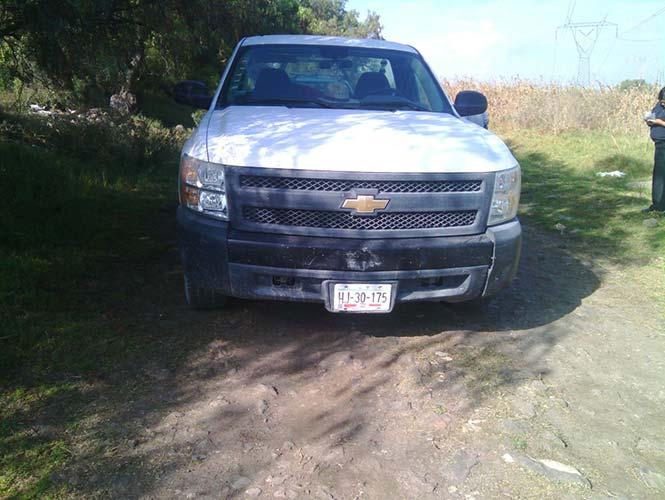Camioneta en la que viajaba el ex regidor. Foto de Excélsior