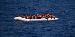 Centenar de migrantes desaparecidos en el Mediterráneo tras naufragio
