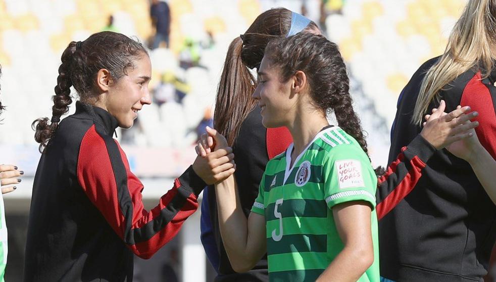 Consuela a su gemela tras eliminarla del mundial Sub 20 femenil