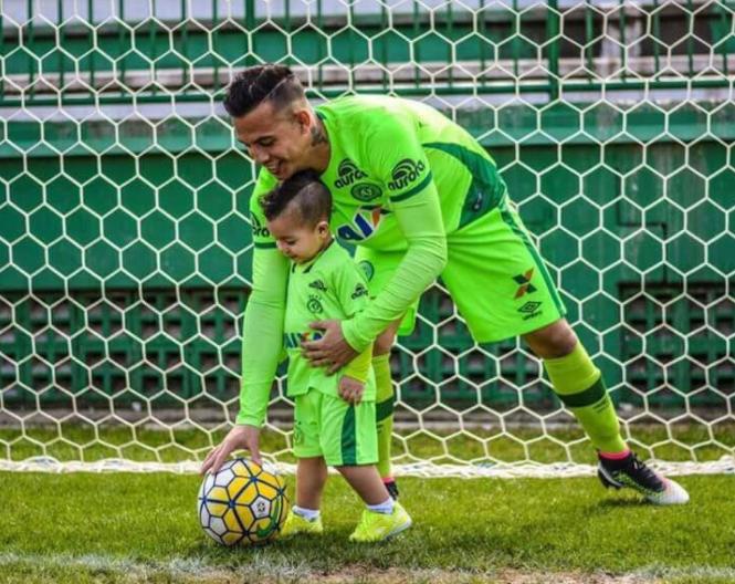 Danilo y su hijo. Foto de Twitter @BarranquillaBQ
