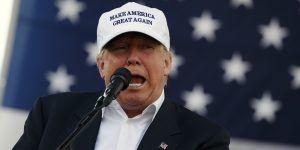 Campaña de Trump llama 'repugnante' diario del Ku Klux Klan que lo elogia
