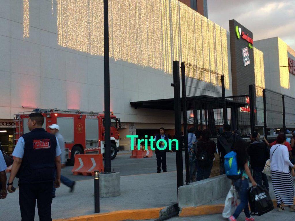 Dos trabajadores mueren al caerles elevador en delegación Azcapotzalco