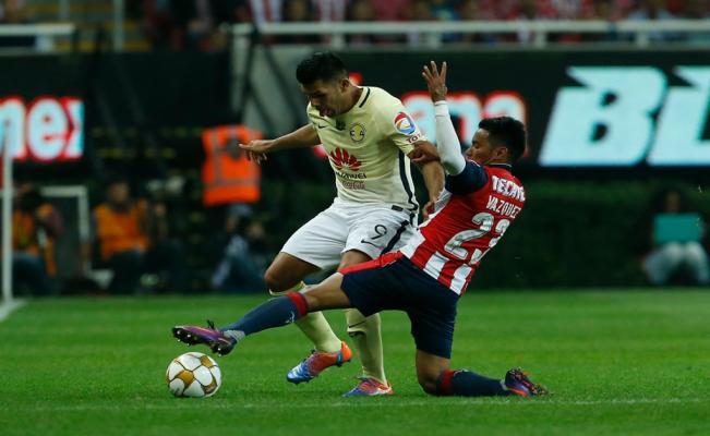 El América venció a las Chivas y avanzó a semifinales. Foto de EFE