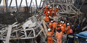 Mueren al menos 67 personas por derrumbe en construcción en China