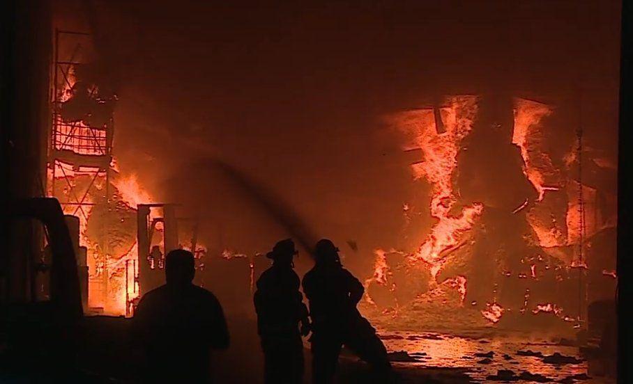 Se registra fuerte incendio en negocio de Guadalupe