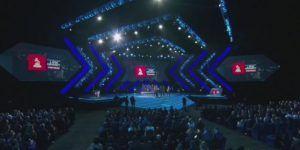 Cantante en los Grammy pide que Juan Gabriel recoja premio