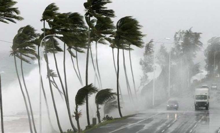 Otto se convierte en huracán y va hacia Costa Rica y Nicaragua