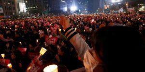 Surcoreanos marchan exigiendo la renuncia de su presidenta