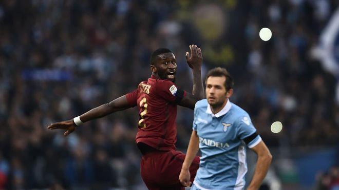 Roma venció a Lazio en el clásico de la capital